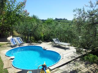 Lovely House with Dishwasher and Central Heating in Assisi - Assisi vacation rentals