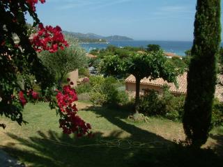 Rez de Jardin, le Lavandou, 6p - Le Lavandou vacation rentals