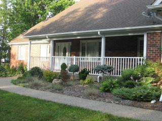 Beautiful House with Internet Access and A/C - Niagara Falls vacation rentals