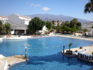 Comfortable 1 bedroom Apartment in Costa del Silencio - Costa del Silencio vacation rentals