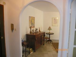 Sunny Apartment with Central Heating and Microwave - Hyères vacation rentals