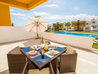 Luxurious 2 bed apt with 2 pools near the beach - Albufeira vacation rentals