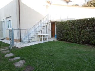 Appartamento Anna - Marina Di Pietrasanta vacation rentals