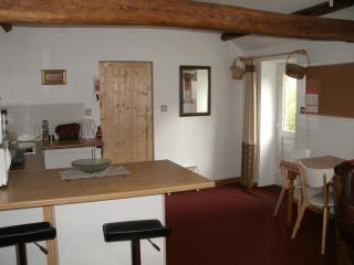 One Button Hideaway. Holiday cottage near Masham North Yorkshire. UK - Well vacation rentals