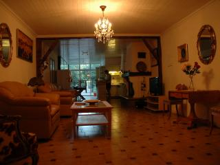 2 bedroom House with Internet Access in Lezignan-la-Cebe - Lezignan-la-Cebe vacation rentals