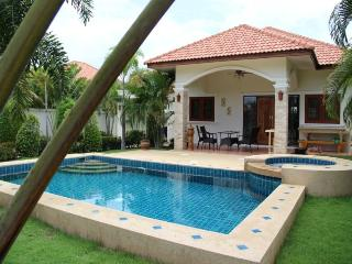 Villas for rent in Hua Hin: V6047 - Hua Hin vacation rentals
