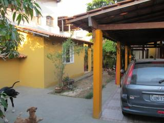 Beautiful House with Long Term Rentals Allowed and Balcony - Niteroi vacation rentals