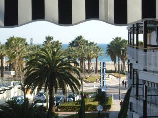 "SALOU PLAGE VUE MER - APPARTEMENT ""TAURO&quot - Salou vacation rentals"