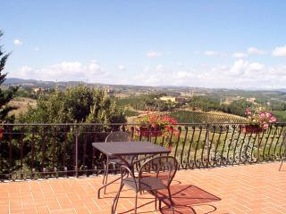 Farmhouse very close to the centre of Siena - Siena vacation rentals