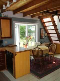 Beautiful 2 bedroom House in Lincolnville with Deck - Lincolnville vacation rentals
