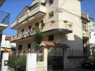 Cozy 2 bedroom House in Santa Domenica di Ricadi - Santa Domenica di Ricadi vacation rentals