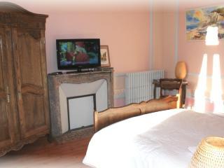 Chateau des Saveurs Violette - Criquetot-l'Esneval vacation rentals