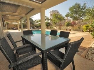 Bright Apartment with Dishwasher and Grill in Ashdod - Ashdod vacation rentals