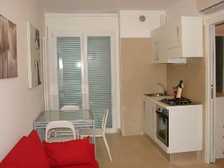 Residenza Argento bilocale C a due passi dal mare - Gabicce Mare vacation rentals
