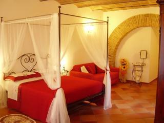 La terrazza fio...Rita Suite Erica - Ripa vacation rentals