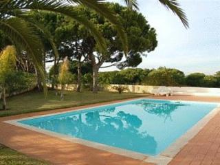 Quinta das Salinas House - Completely Refurbished - Quinta do Lago vacation rentals