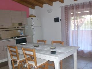 2 bedroom Apartment with Deck in San Teodoro - San Teodoro vacation rentals