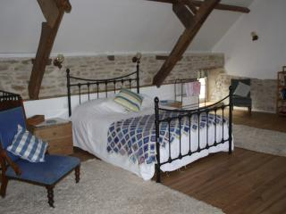 Comfortable 1 bedroom Manche B&B with Internet Access - Manche vacation rentals