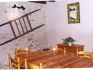 3 bedroom Cottage with Internet Access in La Rochelle - La Rochelle vacation rentals