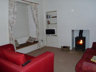Cozy 2 bedroom Condo in Innerleithen with Internet Access - Innerleithen vacation rentals