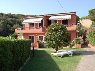 Bright Townhouse with Garden and Stove - Capoliveri vacation rentals