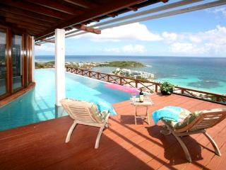 Casa Linda SPECIAL OFFER: St. Martin Villa 193 Wake Up To The Sunrise Overlooking St. Barths, The Atlantic Ocean, And Beautiful Oyster Bay Marina. - Oyster Pond vacation rentals