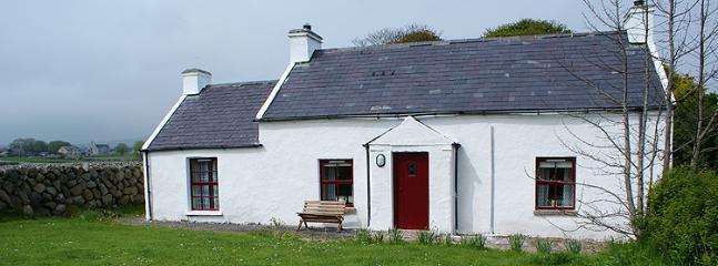 3 bedroom Cottage with Fireplace in Kilkeel - Kilkeel vacation rentals