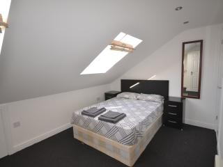 LOVELY 1 BEDROOM FLAT CENTRAL MEW A - London vacation rentals