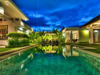 Great Villa Zara 4 bedroom/4Bath in Seminyak Bali - Seminyak vacation rentals