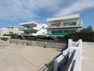 Beautiful 3 bedroom Santa Marinella Condo with Dishwasher - Santa Marinella vacation rentals