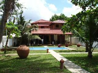 Spacious 4 bedroom Tangalle Villa with Internet Access - Tangalle vacation rentals
