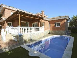 Spacious 6 bedroom Villa in Salou - Salou vacation rentals
