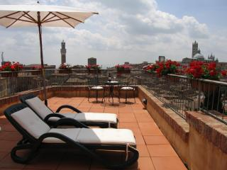 Charming 1 bedroom Condo in Siena - Siena vacation rentals