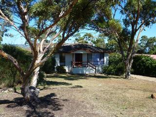 Comfortable House with A/C and Television - Normanville vacation rentals