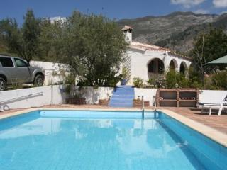Wonderful Villa with Outdoor Dining Area and Microwave - Canillas de Aceituno vacation rentals