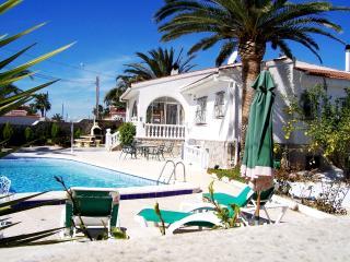 Luxury 4 Bedroom  Private Pool Air-Con Wi-Fi - Ciudad Quesada vacation rentals