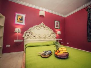ULISSE ORTIGIA APARTMENT - Syracuse vacation rentals