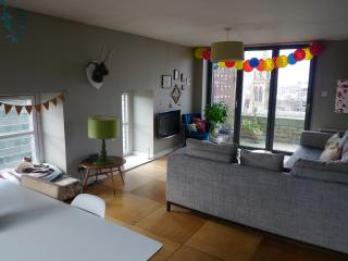 Family Rooftop Apartment with Amazing View - Glasgow vacation rentals