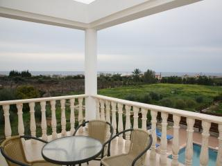 Spacious 4 bedroom Paphos Villa with Internet Access - Paphos vacation rentals