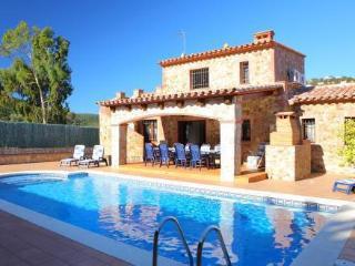 Cozy 3 bedroom Villa in Calonge with Internet Access - Calonge vacation rentals