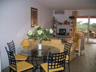 2 bedroom Apartment with Internet Access in Grosseto Prugna - Grosseto Prugna vacation rentals