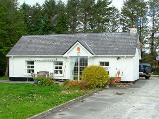 2 bedroom Cottage with Satellite Or Cable TV in Dunkineely - Dunkineely vacation rentals