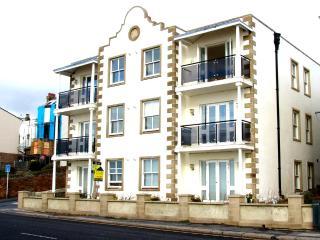 stunning sea view apartment house 35 - Folkestone vacation rentals