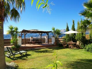 Cozy 3 bedroom Alozaina Finca with Internet Access - Alozaina vacation rentals