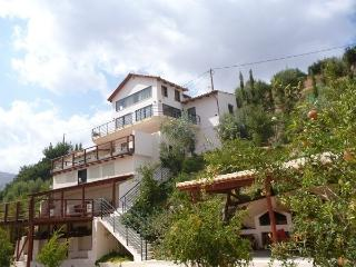 ESTATE KARES VILLA ZEYS - Tylissos vacation rentals