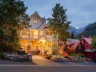 302 N Aspen - 4 Bedroom/ 5.5 Bath - Sleeps 10 - Luxury in every sense of the word. Unparalleled Views of Telluride Ski Resort an - Telluride vacation rentals