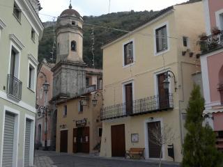 delizioso appartamento in piazzetta  a Maratea - Maratea vacation rentals
