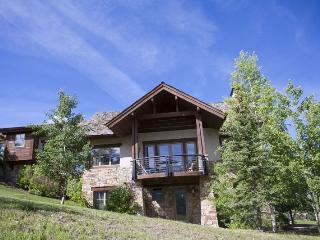Fairway Drive - 4 Bd + Loft / 5.5 Ba Mountain Village Home - Sleeps 10 - Incredible mountain views! Ideal getaway winter or summer - Mountain Village vacation rentals