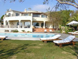 Atlantico 94 - Quinta do Lago vacation rentals