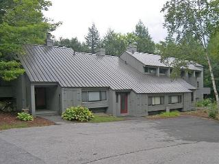 V35MN- Managed by Loon Reservation Service - NH Meals & Rooms Lic# 056365 - Lincoln vacation rentals